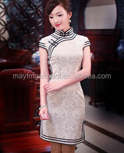 Chino tradicional cheongsam qipao vestido de encaje blanco patrón