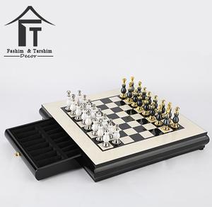 Di alta qualità grande di legno di scacchi magnetico set mdf scacchiera con pezzi degli scacchi in metallo per adulti gioco di s