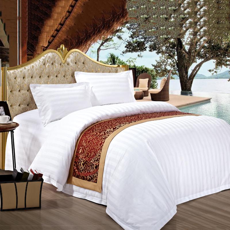 P51 Ev Tekstili 100% Pamuk 300TC Lüks Saten 5 Yıldız Otel için 3 CM Şerit Yatak Takımları