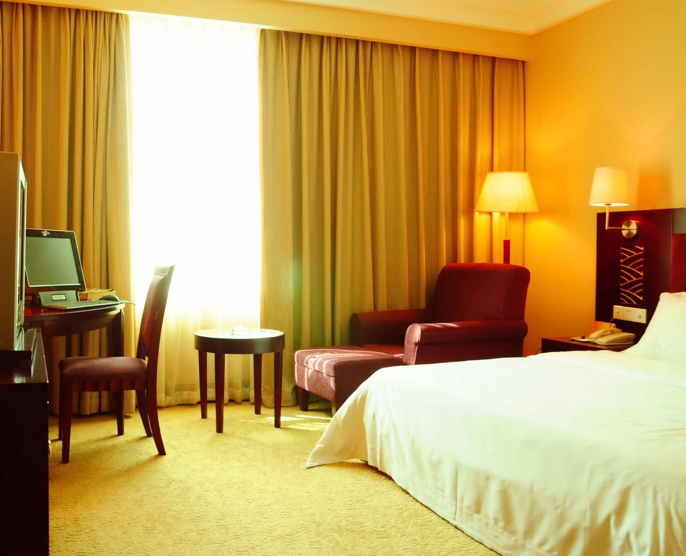 Beautiful Hotel Curtain / Motorized drapes and curtain