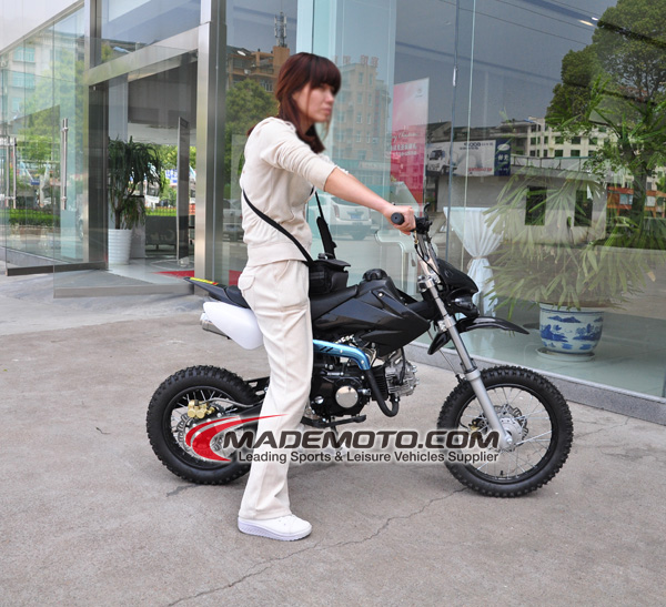 battery powered motorcycles for adults with Mademoto Hot Selling 110cc Gas Dirt 1910531713 on Honda Goes Electric Racing moreover The Beast Off Road Electric Scooter further Thekofmania forumeiros as well 50mph Electric Bicycle For  muting also alibaba   productdetail 3wheelselectricscooterstreetlegal 60196089517.