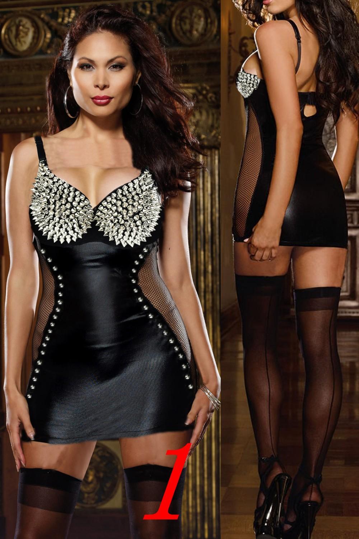 Кожаная эротическая одежда на моделях