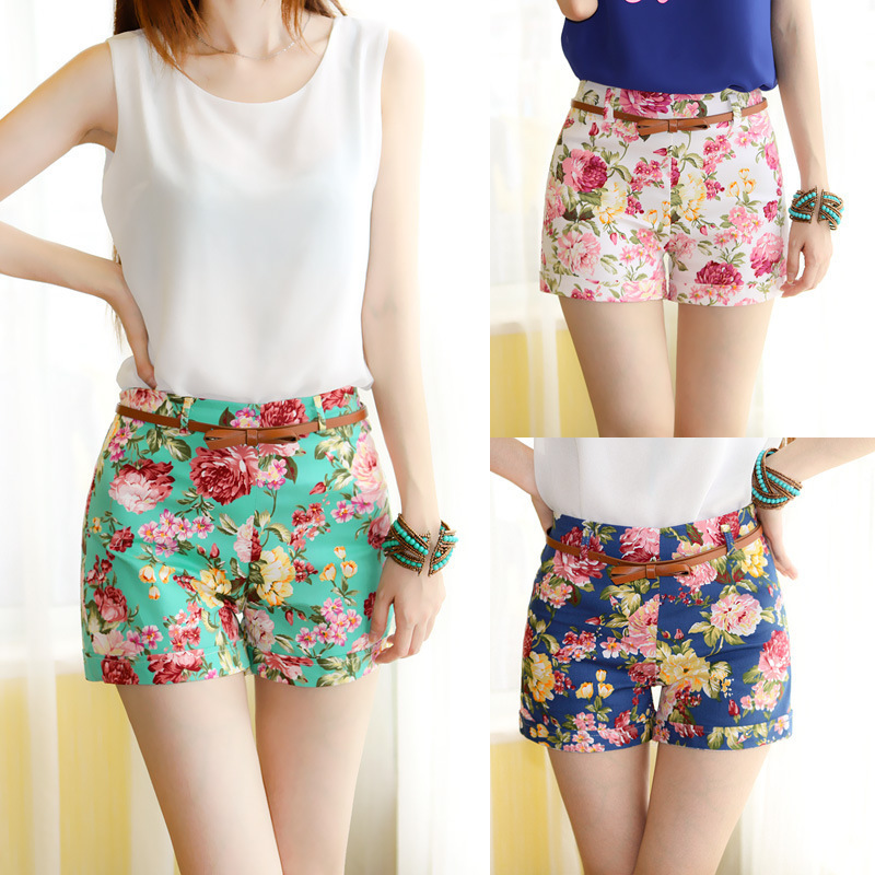 girls fashion shorts The shorts color is very fresh