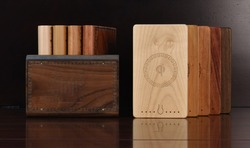 Wood/Bamboo Wireless Power Bank, Wireless charger in Power Bank for Smartphone