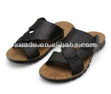 2014 popular de nuevo al por mayor baratos hombres fresco sandalias de cuero genuino negro