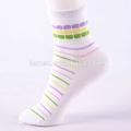 venta al por mayor de moda personalizada las chicas hermosas franjas del calcetín
