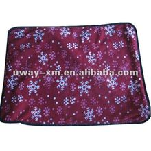 Durable and waterproof pet outdoor mat, suitable for travelling outside