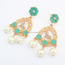 Europe and the United States is pure and fresh and fashion metal pearl earrings earrings wholesale