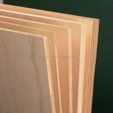 Hoja de madera contrachapada