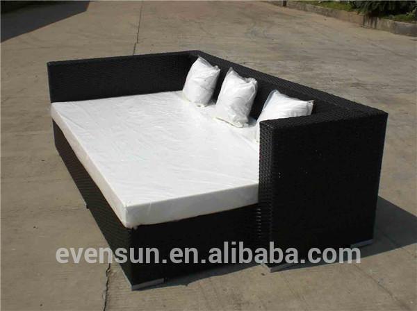 jardin ext rieur en osier canap lit chaise longue en osier. Black Bedroom Furniture Sets. Home Design Ideas