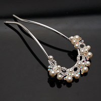 Combs diamond crown pearl motifs popular female ornaments