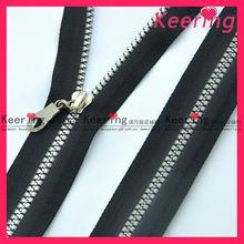 wholesale best prices garment manufacturer zipper and slider accessory Nylon metal plastic waterproof zipper roll