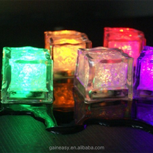 Hot selling China wholesale waterproof led ice cube for drink for party