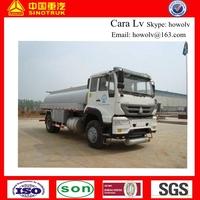 Low Price SINOTRUK Golden Prince Oil Truck 12000 liters Fuel Tank Truck in dubai