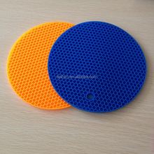 Promotion durable kitchen preventing hot silicone cup /table mat