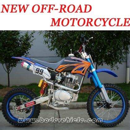 道のオートバイを離れた200CC