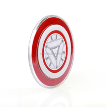 Travel products 2015 new qi wireless mobile phone portable charger/iron Man
