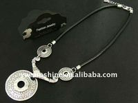 Fashion leather&metal necklace