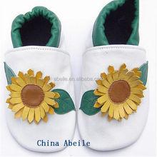 environment-friendly or fashionable elegant leather walking similar to italy nation infant moccasins soft sandal shoes