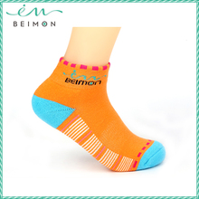 Wholesale Pretty girls New Colorful fashion antibacterial pilates socks