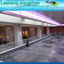 piscine di plastica trasparente