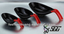Durable and Decorative Happy Spoon Shape Colorful Ceramic Bowls for Buffet
