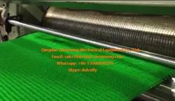 PE plastic turf floor mat extrusion machine/ PE Plastic grass mat machinery
