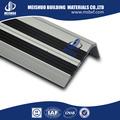 Alumínio de segurança de borracha barato stair passos em pisos peças