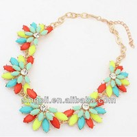 Chic graceful shine candy multi color crystal flower necklace technicolor acrylic flower necklace bright color clavicle necklace