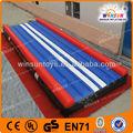 China la fabricación especializada de cumplir con el certificado del ce inflables esteras/alfombrillas gimnasio