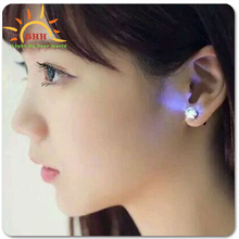 2015 New Products fashion earring led light gift