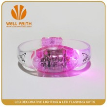 2015 hot sale motion activated led glow in dark flashing bracelet