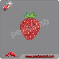 Beautiful Strawberry Heat Transfer Rhinestone Designs For Clothing Decoration