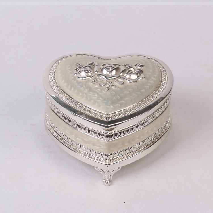 Wedding decoration heart shape box custom metal gift for Heart shaped engagement ring box