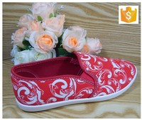 Red fashion canvas shoes for women