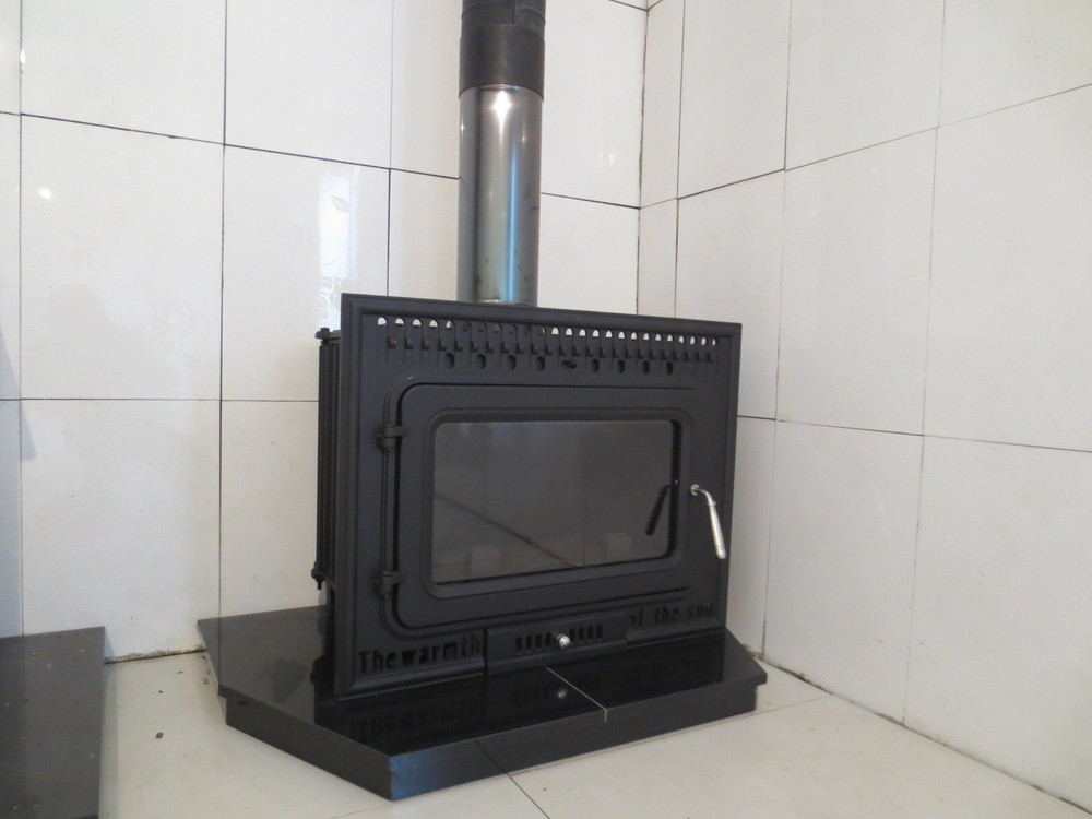 12kw Classic Style Free Standing Cast Iron Cheap Wood Burning Stoves For Sale Hs X8