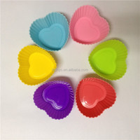Little friends like heart shaped ring durable baking silicone cake mold