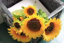 cheap wholesale high quality artificial flowers, bunch sunflowers , artificial sunflower plants