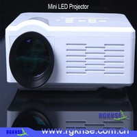 Best Sales Battery Powered Portable Projector / 3D Mini LED Video Projector / 1080P HDMI 3D LED Projector With Bulit-in Adapter