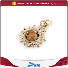 engraved logo flower shaped decorative zipper pull