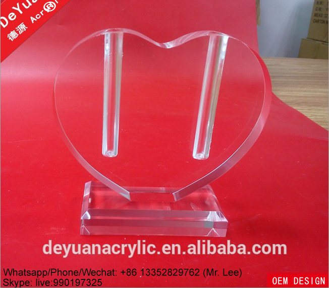 Clear heart shape acrylic decoration vase for office display (1).png