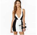 alibaba venta al por mayor vestido de negro y blanco vestidos v profundo la espalda desnuda vestidos largos