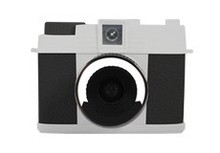 "NEW product digital camera Max 7.0 MP 1.8"""" TFT LCD with 4X Digital Zoom DC-580"