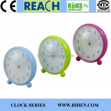 Novelty Plastic Round Cheap Desk Clocks with Alarm
