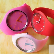 2015 Hot Selling Colorful Silicon Watch
