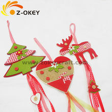 Heart and reindeer shape felt Christmas decoration with buttons decors and ribbons