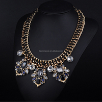Black Color New Fashion Luxury Gold Choker Metal Chain with Crystal Flowers Pendant Statement Necklace for Women