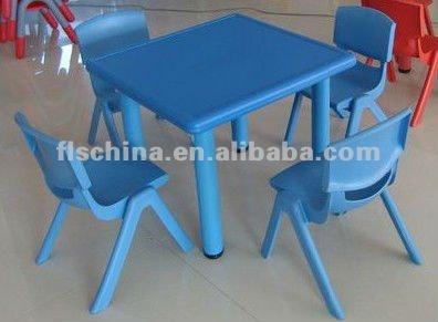 Colorido apilable de los niños de plástico silla mesa