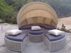 Cheap outdoor rattan sunbed beach sunbed rattan round sofa bed