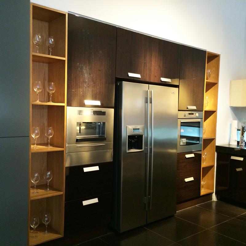 salle d 39 exposition chantillon cuisine vendre chine pas cher cuisine allemagne pvc armoires. Black Bedroom Furniture Sets. Home Design Ideas